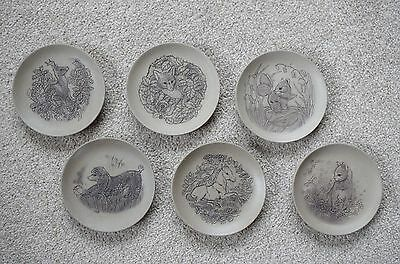 Vintage Poole Pottery Stoneware Plates Animals  Price Reduced • 8£