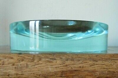SUPERB VINTAGE ROUND Scandinavian Style CHUNKY SOLID GREEN STUDIO GLASS PIN DISH • 1£