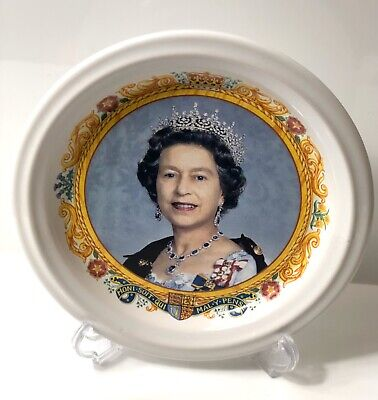 The Royal Collection Queen Elizabeth II Golden Jubilee 2002 FOSTER POTTERY • 5£
