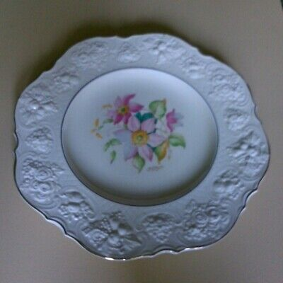 CROWN DUCAL CLEMATIS 1 HAND PAINTED PLATE With Gold Edging 11  Wide. • 3.99£