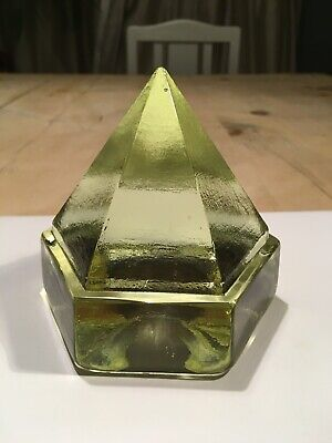 Vintage Art Glass Vase. Six Sided Pyramid. Excellent Condition. • 25£