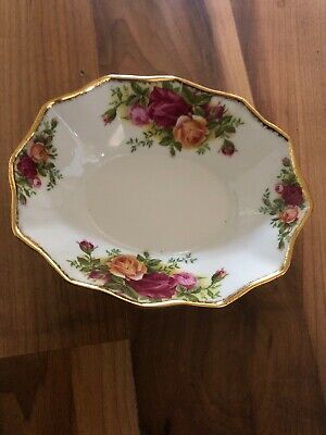 Lovely Royal Albert Country Roses Dish • 8.99£