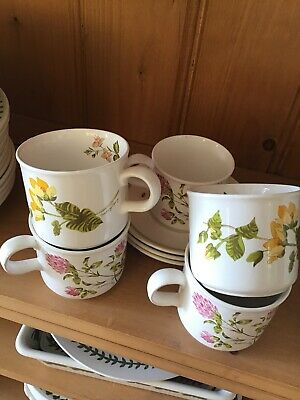 Royal Worcester Palissy Cups And Saucers • 1.50£