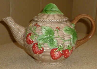 Border Fine Arts Farmers Market Basketweave Strawberry Floral Patterned Teapot  • 15£