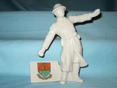 Grafton China WW1 'The Bomb Thrower' - HYTHE Crest • 142£