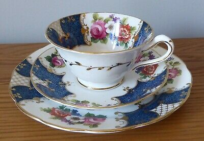 VINTAGE CHINA TRIO (CUP, SAUCER AND TEA PLATE), Blue/White/Gold & Floral Design • 2.99£