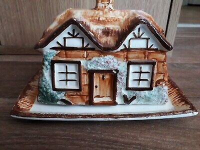 Keele St Pottery Co Ltd, Cottage Ware Butter/cheese Dish. • 6£