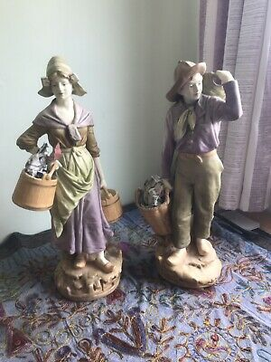 2 Royal Dux Basket Carrying Figurines • 80£