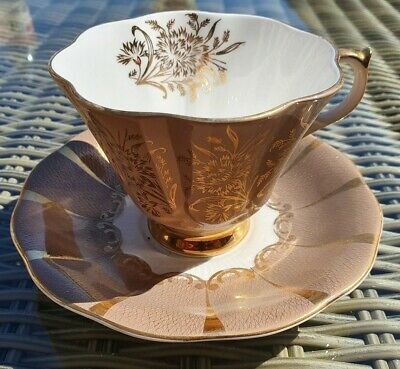 Queen Anne Bone China Tea Cup And Saucer 304 • 10£