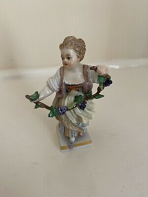 Beautiful Meissen Girl With Grapes • 320£