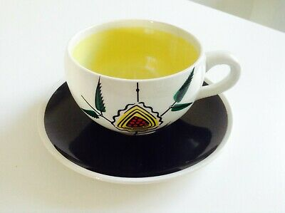 Retro Royal Victoria Wade Pottery Cup & Saucer In Very Good Condition • 6.50£