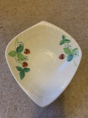 Beswick Pottery Leaf Bowl Excellent Condition • 2.30£