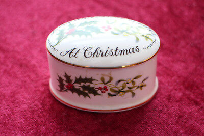 "Crown Staffordshire England ""Love And Best Wishes At Christmas"" Trinket Box • 5£"