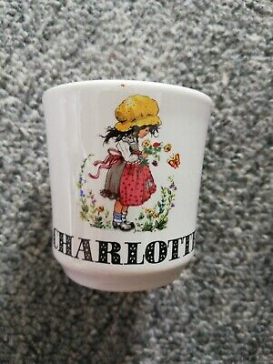 Charlotte Egg Cup • 1£