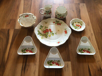 Collection Of Queens China Virginia Strawberry Ceramics • 49.99£