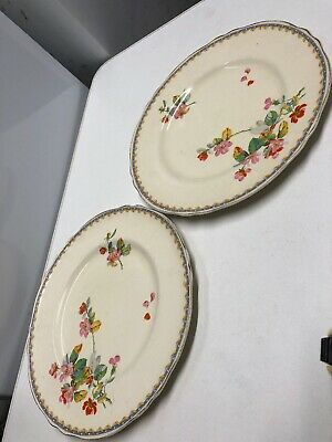 Creampetal Grindley Two Dinner Plates • 10£