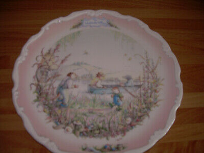 Royal Albert WIND IN THE WILLOWS Plate - Portly's Return • 3.99£