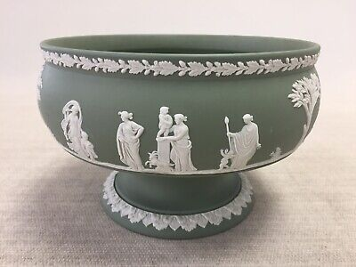 Vintage Green Pedestal Fruit Bowl By Wedgwood With A 22cm Diameter • 85£