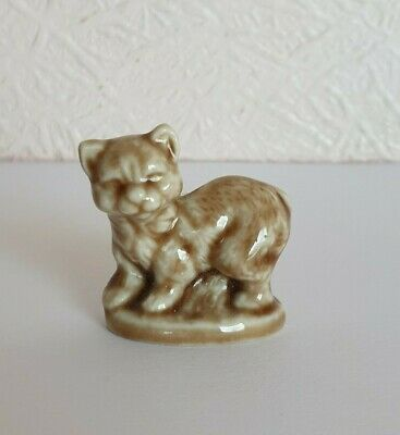 TOM SMITH CRACKERS Wade WHIMSIE CAT COLLECTION 1996-97 - STANDING CAT - EX CON • 2£