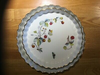 Royal Worcester - Strawberry Fair - 10 Inch And 81/2 Inch Fluted Flan Dishes • 3.80£