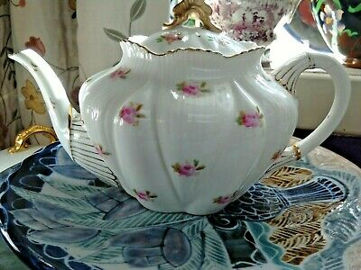 A Stunning Wileman Rosebud ,dainty Shaped Teapot,with Gilding. • 295£