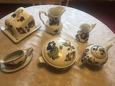 Staffordshire Tableware. Autumn Fayre. Collection. • 20£