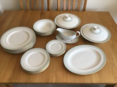 Royal Doulton Berkshire Dinner Service. Excellent Condition. • 57£