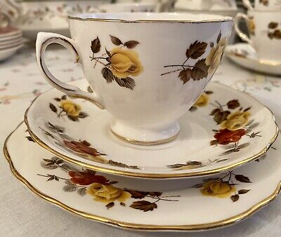VINTAGE RETRO Colclough Bone China Tea Set • 9.60£