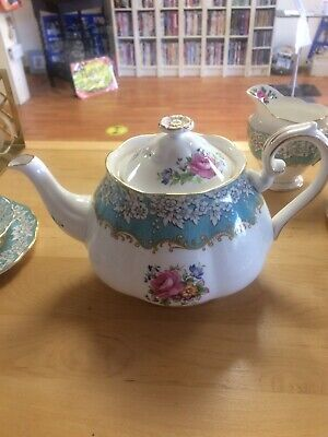 Wedgewood California Royal Albert  Teapot • 36.99£