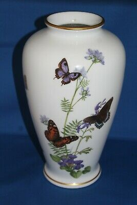 Large 1981 Limited Edition Franklin Mint Meadowland Butterfly Vase  • 45£