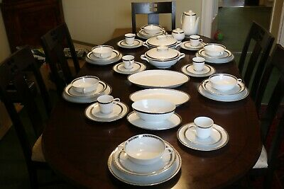 Rosenthal Fine White And Silver Dinner Service • 225£