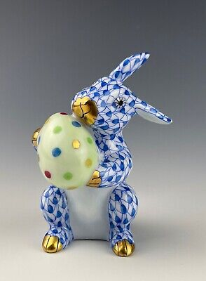 Herend Fishnet Bunny With Egg Blue 2 1/2  Tall Mint Condition • 191.44£