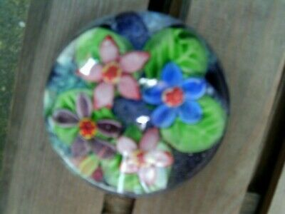 Large Glass Flower Paperweight • 24.99£