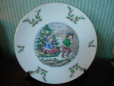 Royal Doulton Time Limited Edition Bone China Plate , Christmas 1979 • 10.99£