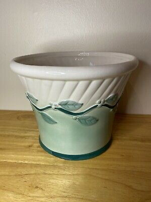 Silea White And Green Planter With Leaf Pattern • 3.20£