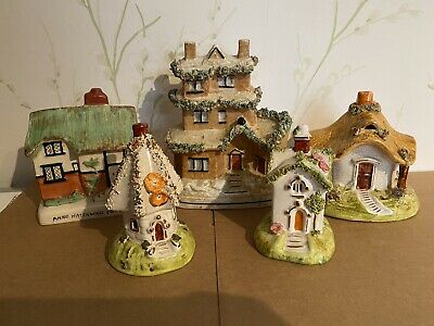 Collection Of Ceramic Staffordshire House Figurines • 10.20£