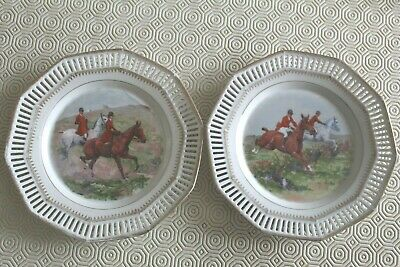 2 China Perforated Wall Plate Showing Hunting Scenes • 2.50£
