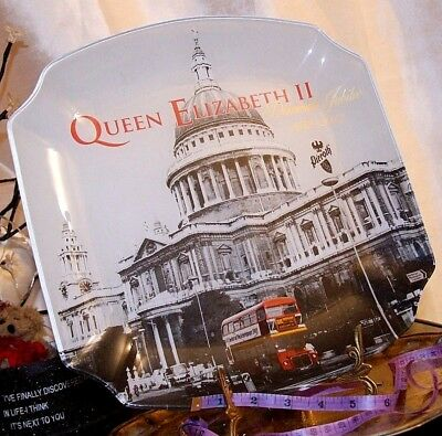 Frosted Glass Commemorative Tray / Large Dish / Plate Of HRH Queen Elizabeth II  • 15.83£