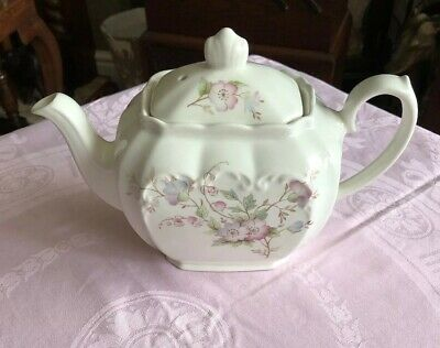 Pretty Vintage Cube Shaped Teapot Floral New Price • 18£