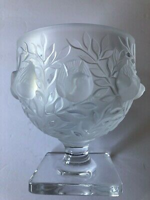 Lalique Crystal 'Elizabeth' Footed Frosted Vase/Bowl With Birds • 184.16£