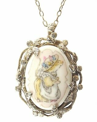 Brambly Hedge Primrose Woodmouse Pendant And Chain  • 170£