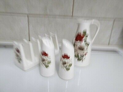 Withernsea Eastgate Pottery Table Set. • 8£