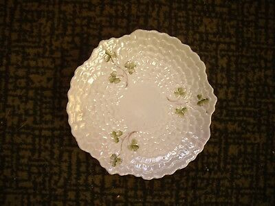 Pearlised Plate With Shamrock  6.5  Diameter        Unmarked • 4£