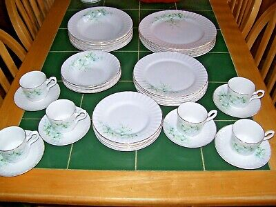 Royal Stafford Beautiful Blossom Time 40 Piece Dinner & Coffee Service. • 55£
