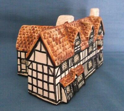 Tey Pottery Shakespeare's Birthplace Stratford Upon Avon England Figure Model • 24.99£