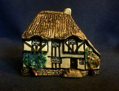 Tey Pottery. Yeoman's Cottage.  • 2£