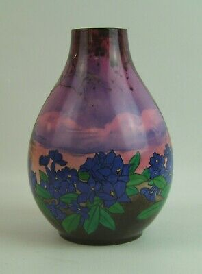 Vintage Royal Doulton Floral Decorated Vase - 1922 - Made In England. • 295£