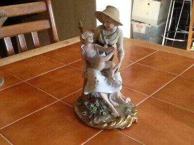 Capodimonte Vintage Mother And Child Figure • 9.99£