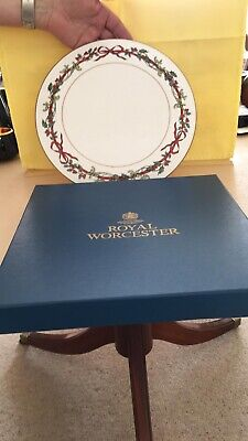 Royal Worcester Large Cake Plate Holly Ribbons With Box Bone China Christmas • 20£