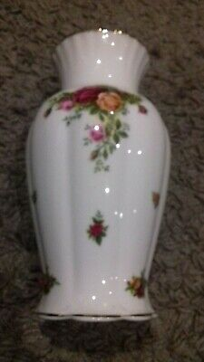 Fab Royal Albert Old Country Roses Large Tall Vase . • 15.99£
